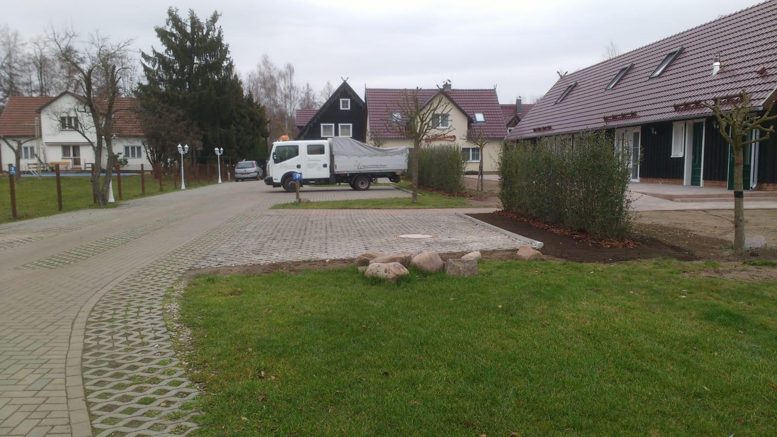 Heckenpflanzung Burg